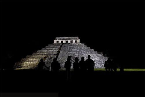"""墨西哥考古学家发现 中国民间传说中""""通往阴间的路"""""""