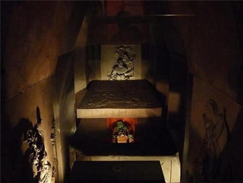"""墨西哥考古学家发现 中国民间传说中的""""通往阴间的路"""""""