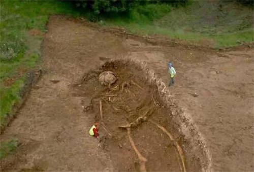 巨人骸骨之谜:考古发现巨人骸骨,巨人族真的存在吗?