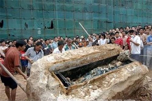 2015年四川南充僵尸事件,揭秘南充文物局领导烧尸体真相法