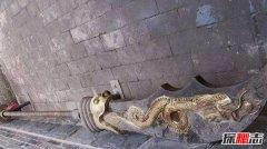 关羽墓出土的文物 除青龙偃月刀外还有两美女
