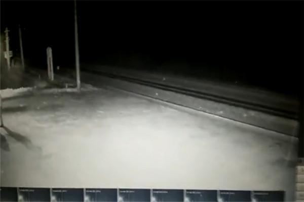 最新中国ufo事件2021视频 大兴安岭上空出现三角状ufo