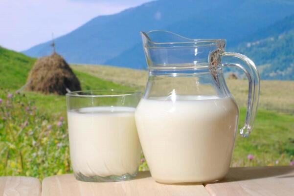 过期的牛奶有什么用 用来洗脸可以软化角质保持水润肌