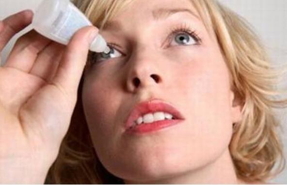 隐形眼镜戴久了有什么危害 可能会让眼睛抵抗力下降