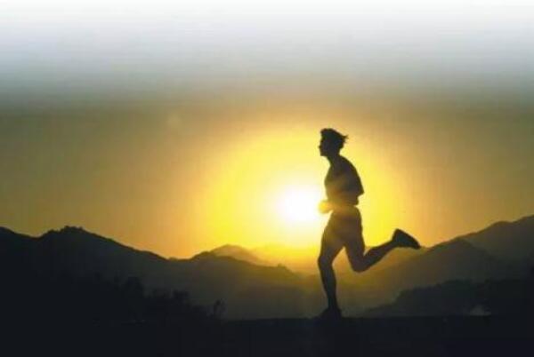 强制早起的方法有哪些 早上怎么做能够更快的清醒