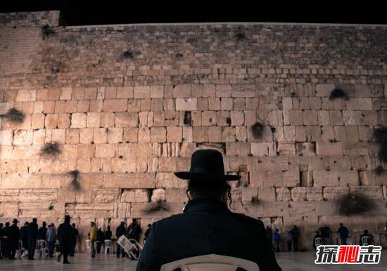 耶路撒冷哭墙流泪事件之谜,哭墙真的会流泪吗(自然现象)