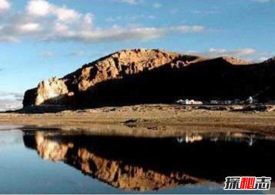 俄罗斯魔鬼湖之谜,湖底爆炸人畜离奇死亡(有毒气体)