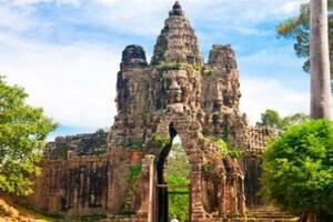 柬埔寨密林中的吴哥窟,世界上最大的庙宇/千年辉煌(奇观)