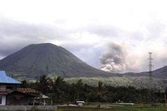 世界最高的十座活火山排行榜:第三曾喷发50次(高五千米)