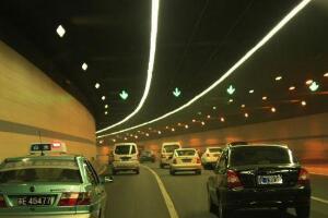 贵州遵义时光隧道,隧道使时光倒退一小时(基站时间错误)