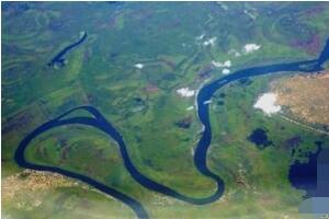 世界上最长的河是尼罗河,全长6670公里(面临干涸危机)