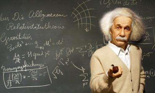 爱因斯坦对鬼的解释:神的确存在,死亡只是幻觉