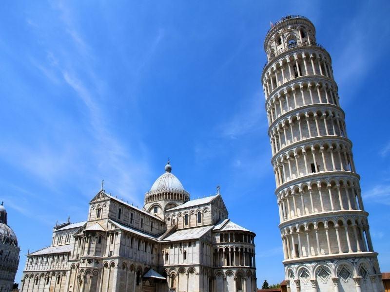 世界十大奇迹建筑,也是十大现存的建筑(中国长城排第一)