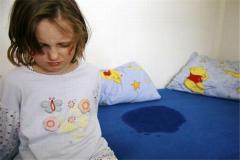 尿床过的棉被怎么处理 如何清洗棉被尿渍