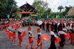 景颇族的传统节日有哪些 中国目瑙纵歌之乡(目瑙节)