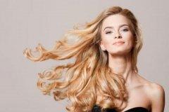 头发油太快什么原因 洗头太频繁会导致出油(定期换洗发水)