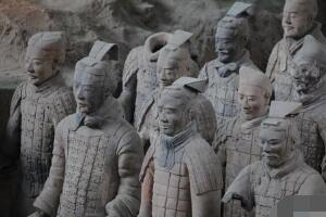 世界第八大奇迹秦陵兵马俑,兵马俑是真人做的吗/陶俑制作
