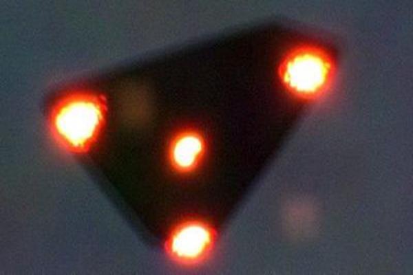 比利时事件揭秘:千人目击UFO,逃脱空军雷达速度超音速