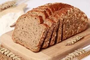 全麦面包是碳水化合物吗,是(一片面包含20克碳水化合物)
