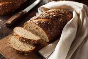 全麦面包能放冰箱里吗,不建议放(会影响面包口感)