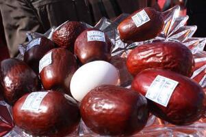 世界上最贵的枣:新疆红枣王,1800块一颗(纯属谣传)