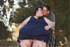 世界上最胖的人1.8吨:苏珊娜埃曼(有规律的刻意增肥)