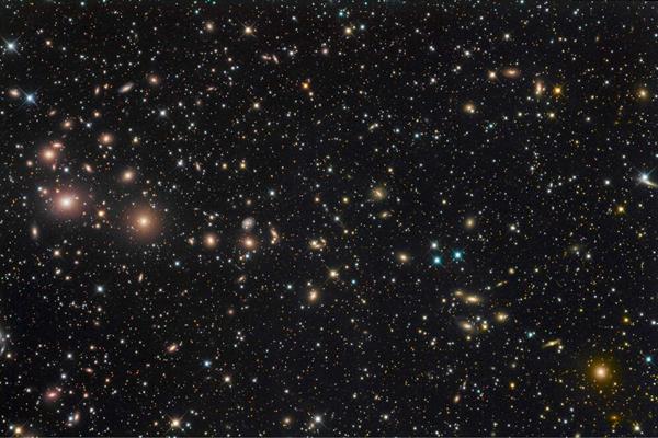 x射线观测到最亮星系团:英仙座星系团
