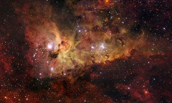 船底座星云具體情況 距離地球8000光年遠的巨大星云
