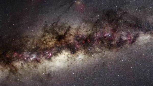 龍蝦星云即天鵝星云 距離地球5000光年的美麗星云