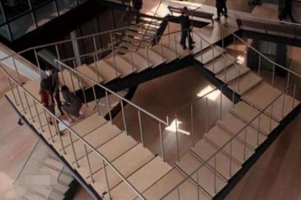 彭罗斯阶梯真实存在吗?永远也走不到头的楼梯(视错觉)