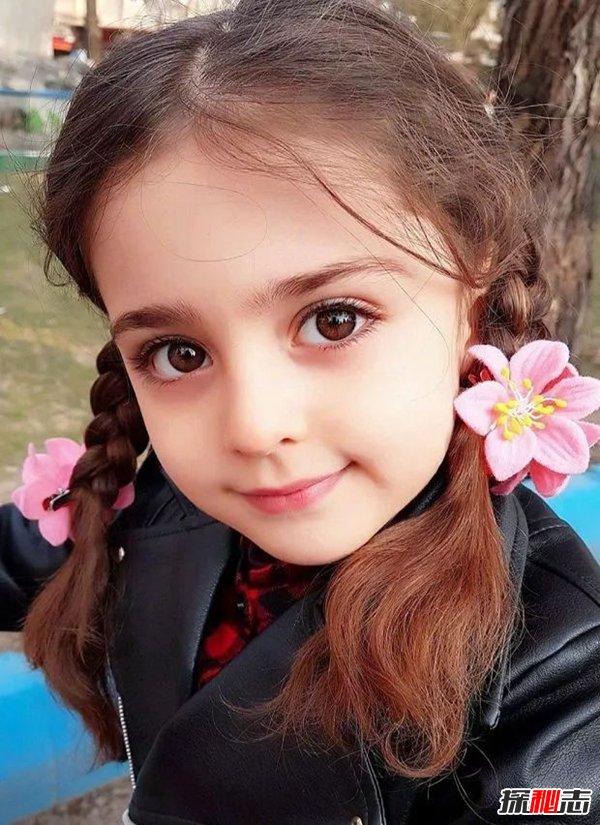 世界最漂亮的小女孩_世界上十大最美的女孩,父亲辞职专门为女儿当保镖_探秘志