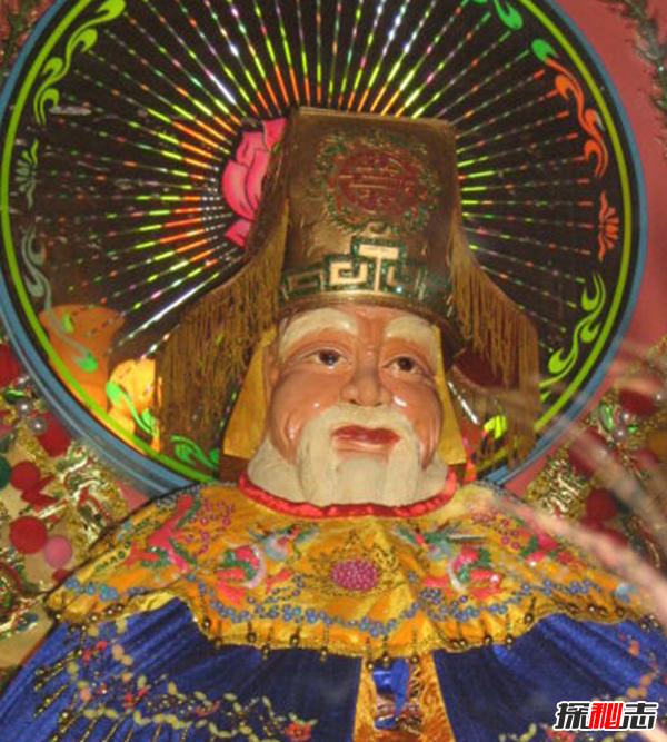 古代中国传说土地神,为什么要拜祭土地神(功能极强的神明)