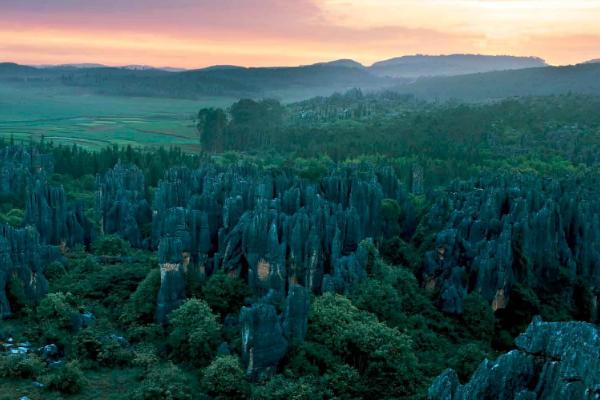 中国五大地貌:第一喀斯特分布最广 天坑出自这里插图