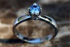 世界上最执着的爱情 他是骨灰钻石的创始者