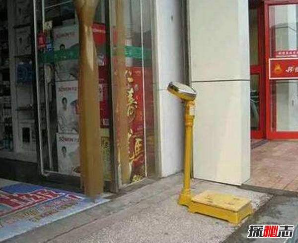药店门口为什么放体重秤,药店门口总放个秤的真相竟是这