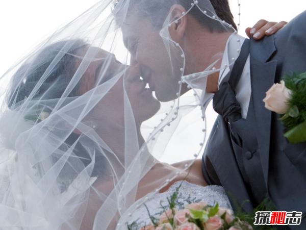 震惊!曝日本女人不结婚真相,多数愿意在男妓身上一掷千金