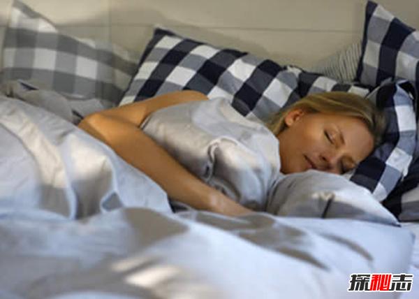 关键!床头放3样东西能救命,床头放什么有助睡眠(柑橘醒脑开窍)