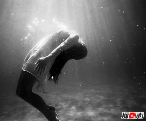 梦见害怕的梦被吓醒了?你应该知道的10个常见的噩梦含义