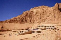 帝王谷和金字塔的区别 不过是不同时期的法老坟墓