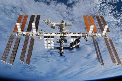 国际空间站属于人造天体吗?原来就连太空碎片和垃圾也是