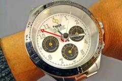 世界上最大的手表:比手腕还要大1/3(直径达90毫米)