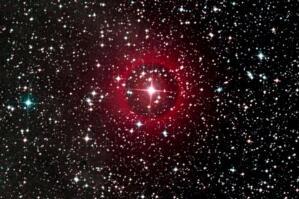人马座vx和盾牌座uy哪个大,后者更大/前者是太阳37亿倍