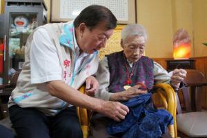 期颐是指多少岁的人,老人一百岁(期待别人照顾的年龄)