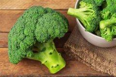 世界上最大的青花菜 重量达26.7千克直径30厘米