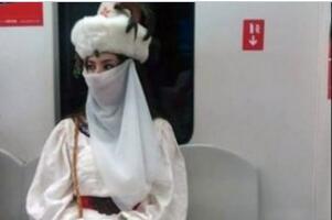 地铁楼兰女是谁?地铁楼兰女的真实身份是什么?