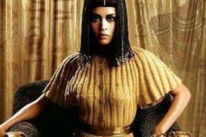 埃及被处死的公主,阿辛诺依公主(被亲姐姐埃及艳后杀死)