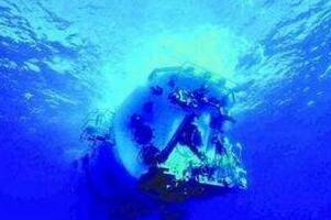 蛟龙号到底在隐瞒什么,潜水员吓疯/发现巨型生物