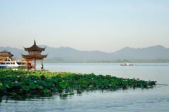 中国容易被暴雨淹的城市 杭州水漫城市武汉公交车水上漂