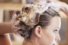夏天几天洗一次头发最好:隔天一次(油性发质)