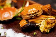 螃蟹和橙子能一起吃吗:能一起吃(含砷元素的螃蟹不能吃)